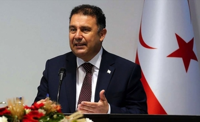 """Saner: """"Kıbrıs Türk kadını her türlü övgüyü hak ediyor"""""""