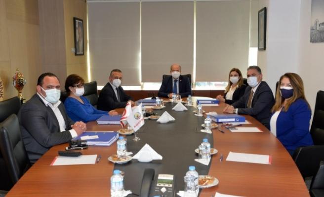 Tatar, Kooperatif Merkez Bankasını ziyaret etti