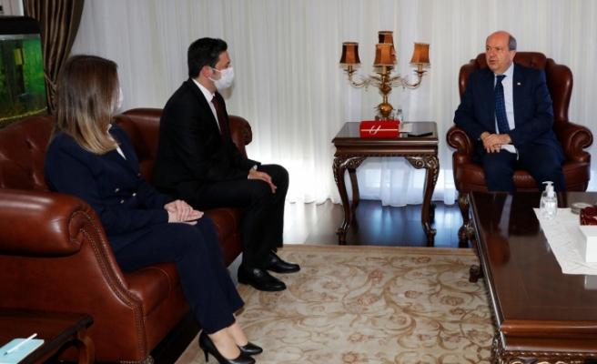 Tatar, Lefkoşa Yunus Emre Enstitüsü yetkililerini kabul etti