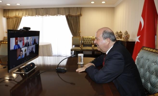 Tatar, radyo yayıncıları ile görüştü