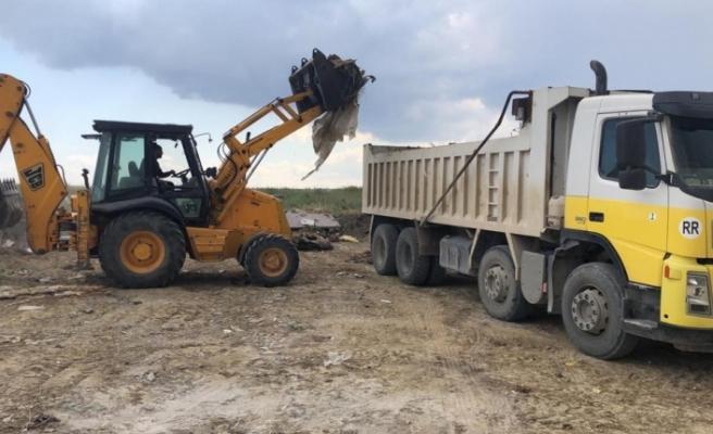 10 Kamyon atık, Çevre Koruma Dairesi ekiplerince temizlendi