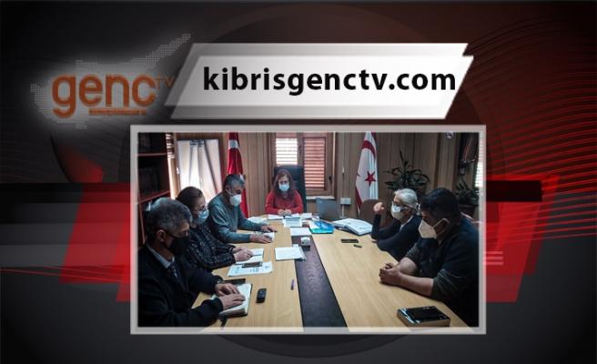 Bulaşıcı Hastalıklar Üst Komitesi, yasa kapsamında bulunan komitelerle toplantılarına ara vermeden devam ediyor