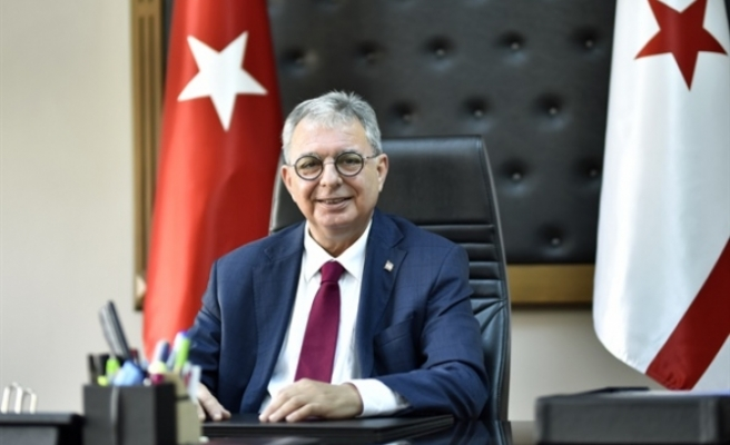 """Evren: """"Kıbrıs Türk halkı kendi kaderini tayin etme hakkına sahiptir"""""""