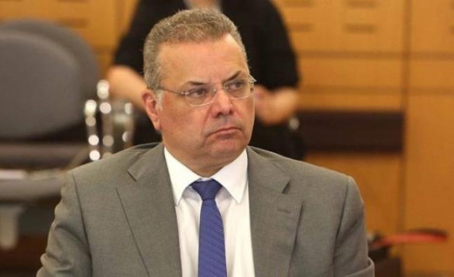 Güneyde İçişleri Bakanının imzasını sahteleyip yasadışı oturma izni verildi