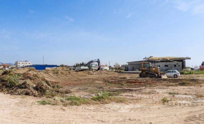 İskele kapalı pazar yeri ve terminal alanının yapımına başlandı