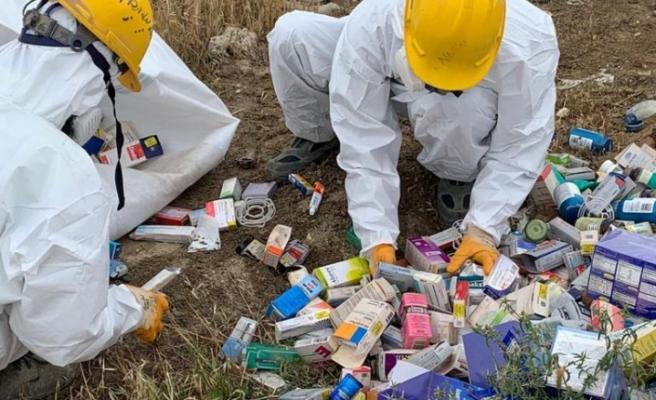 Metehan Bölgesi'ne atılan tehlikeli atıklar, Çevre Dairesi Personeli tarafından toplatıldı