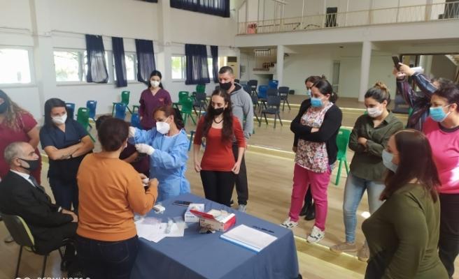 Okul hemşirelerine antijen testi uygulama eğitimi verildi