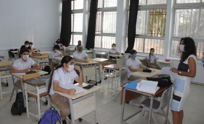Orta dereceli okullarda yeniden düzenlenen akademik takvim açıklandı