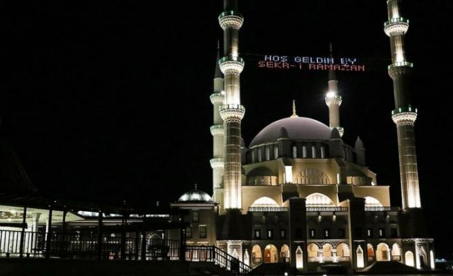 Ramazan ayının başlaması nedeniyle mesajlar