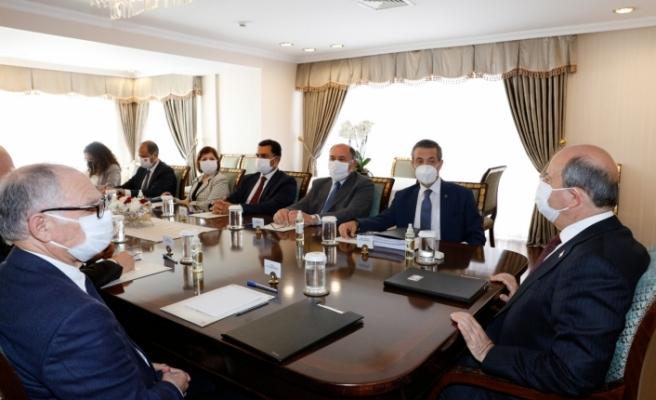 Tatar'ın eski Dışişleri Bakanları ile görüşmesi sürüyor