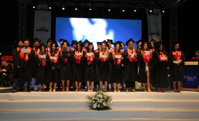 GAÜ ve KAÜ mezunları diplomalarını aldı