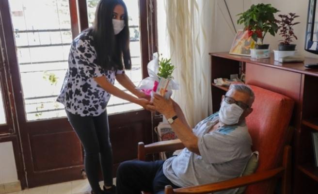 Gazimağusa Belediyesi Babalar Gününü kutladı