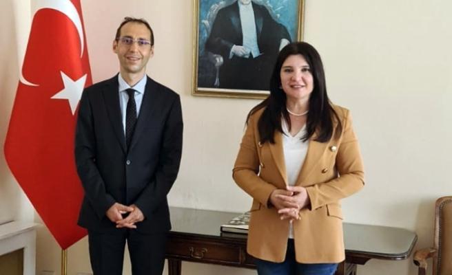 Global Euro Genç TV'nin İngiltere Temsilcisi Hülya Özkoyuncu'dan  Türkiye'nin Londra Başkonsolosu'na ziyaret