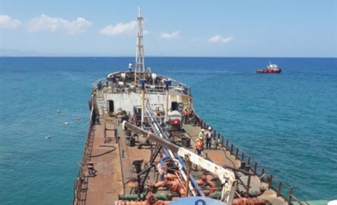 Tankeri kurtarma çalışmaları başladı
