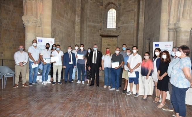 Çiftlik Yönetimi eğitimine katılanlara törenle sertifikaları verildi