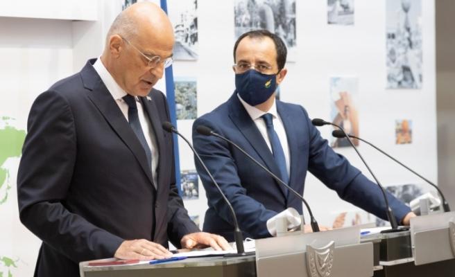 Rum Bakan, Yunanistan Dışişleri Bakanı ile görüştü