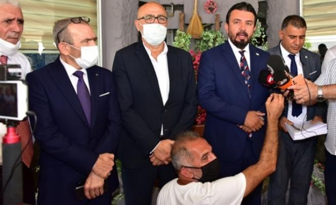 """Zaroğlu, """"Millet Partisi"""" ismiyle yeni bir parti kuracaklarını açıkladı"""