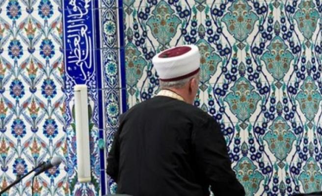 Cemaate 'aşı haram' diyen imam açığa alındı