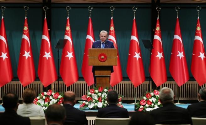 """Erdoğan: """"Aşı olmamış öğretmen ve personelin haftada en az 2 defa PCR testi yaptırmasını isteyeceğiz"""""""