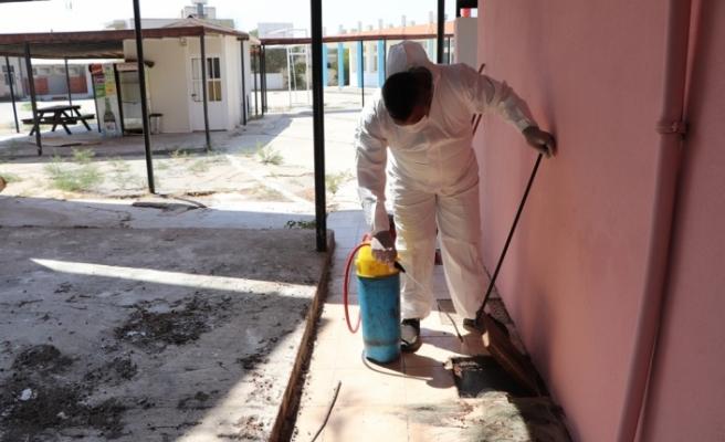 Gazimağusa Belediyesi, okullarda genel temizlik ve bakım çalışması yapıyor