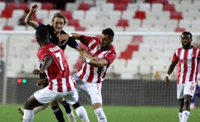 Sivasspor, UEFA Avrupa Konferans Ligi Play-Off turu ilk maçında avantajı kaybetti