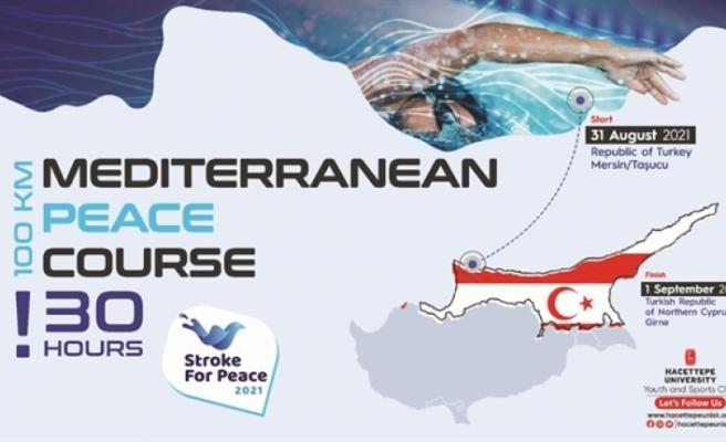 Yüzücüler, Taşucu'ndan Girne'ye yüzüyor