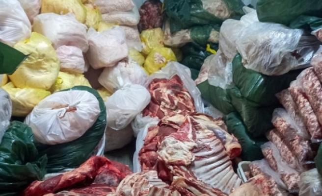 Bir depoda 3 ton kaçak et bulundu