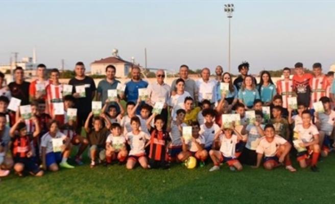 """""""Futbolda Bağımlılıklarla Mücadelede El Ele Projesi"""" çalışmaları devam ediyor"""