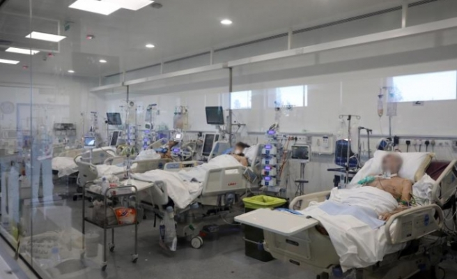 Güney Kıbrıs'ta Covid-19 nedeniyle tedavi gören bir bebeğin durumu kritik