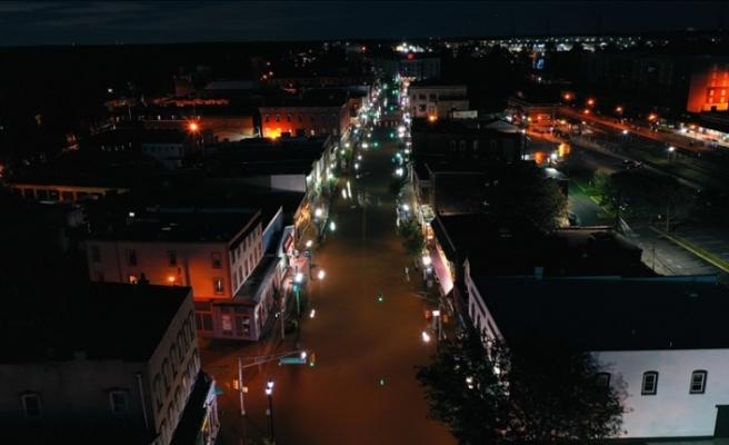 İda Kasırgası'nın vurduğu New Orleans'ta elektrik kesintileri nedeniyle halk tahliye ediliyor