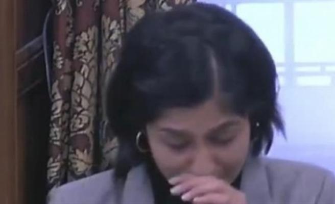 İngiltere'de müslüman milletvekili, karşılaştığı islamofobik ve ırkçı saldırıları gözyaşları içinde anlattı