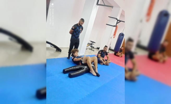 Kickboks 2.MMA  Level Sınavı yapılıyor
