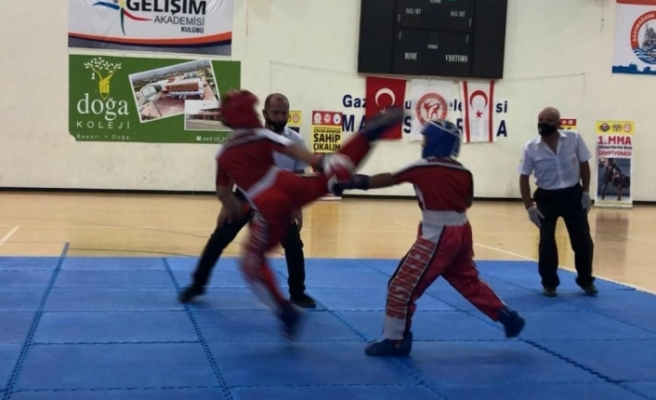 Kickboks Ligi 3.ayak müsabakaları ve 13.Ayda Tilki Kickboks Şampiyonası yapıldı