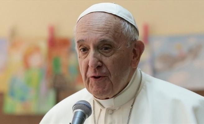 Papa Franciscus kürtajın cinayet olduğunu söyledi