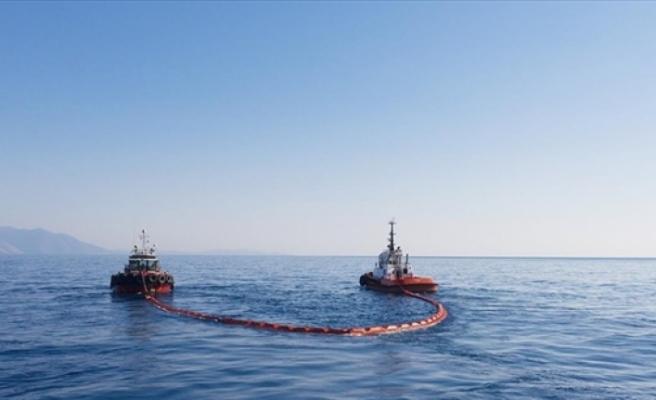 Petrol sızıntısını tarama çalışmaları 2 gemiyle sürdürülüyor