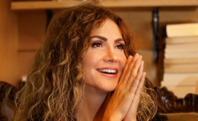 Serenad Bağcan,  Senfoni Orkestrası eşliğinde konser verecek