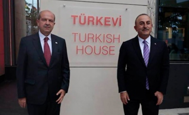 Tatar, ABD Başpiskoposu'nun Türkevi açılışına katılmasına tepki gösteren Rum kesimine yanıt verdi