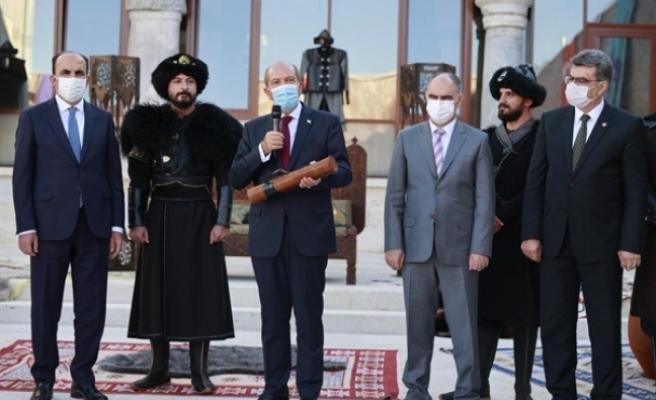 """Tatar: """"Biz, Osmanlı torunlarıyız"""""""