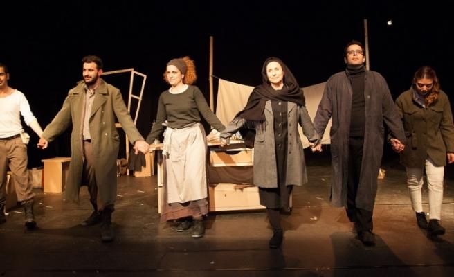 Güney Kıbrıs'tan tiyatroya Türkiye'den ödül
