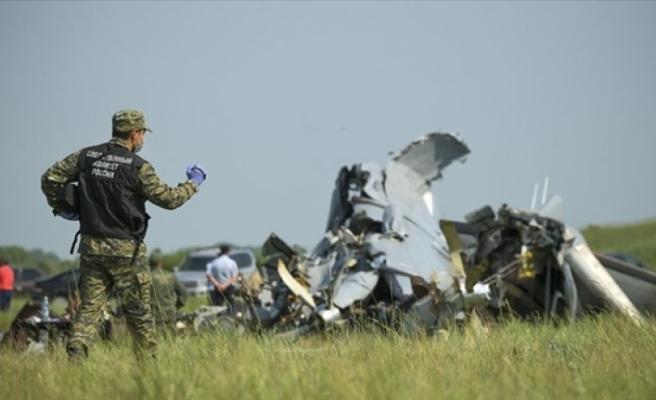 Tataristan Cumhuriyeti'nde paraşütçü taşıyan uçak düştü