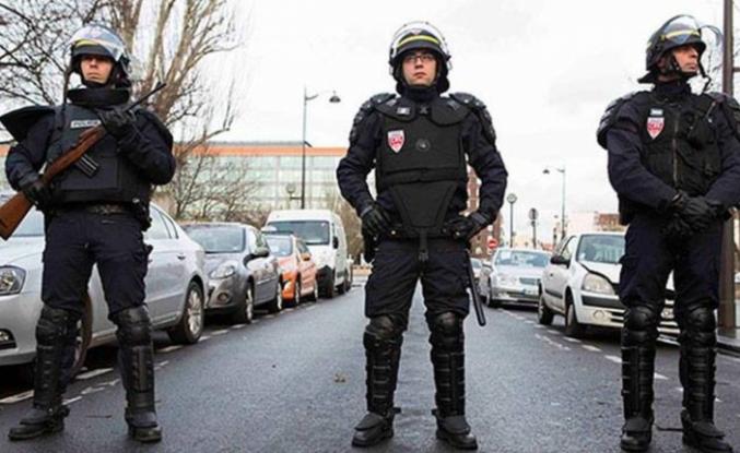 Fransa'da polis sendikasından 'karakolları kapatın' çağrısı