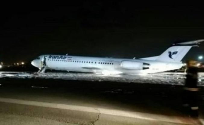 İran'da yolcu uçağı inişi sırasında alev aldı