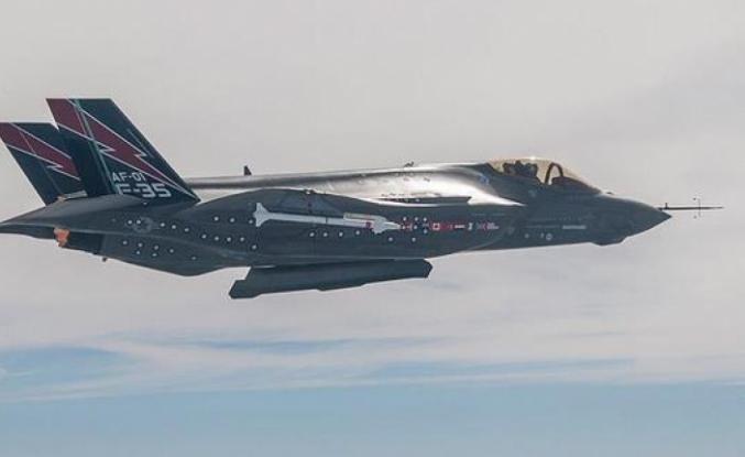Türkiye'ye iki F-35 uçağı daha yolda