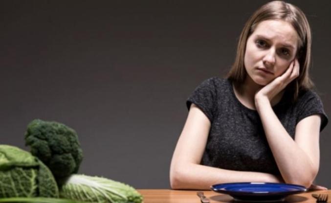 """Kilo veremiyorsanız sebebi """"duygusal açlık"""" olabilir"""