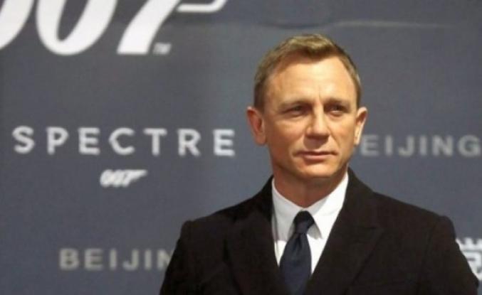 James Bond filminin setindeki kadınlar tuvaletinde gizli kamera bulundu