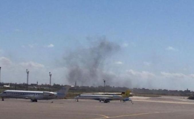 Libya'da Hafter güçleri Mitiga Uluslararası Havalimanı'nı füzeyle vurdu