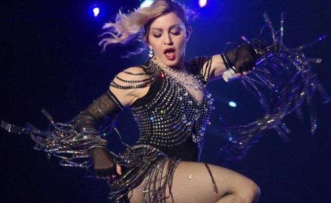 Şarkıcı Madonna, sağlık sorunları nedeniyle konserlerini iptal etti