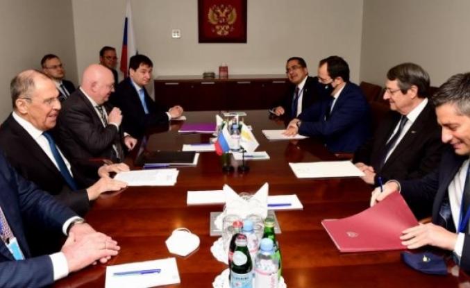 Rum lider, Lavrov ile görüştü