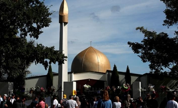 Yeni Zelanda'da terör saldırısına uğrayan camiler ziyarete açıldı