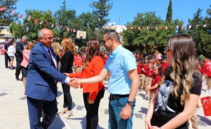 Özyiğit, Alayköy İlkokulu'nda  düzenlenen törene katıldı